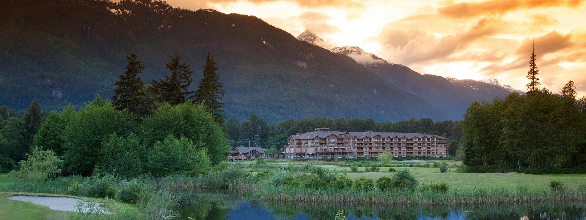 Executive Suites Hotel & Resort Squamish at dusk