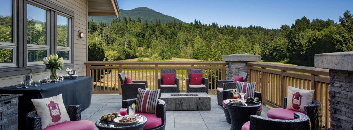 Clubhouse Patio - Executive Suites Squamish
